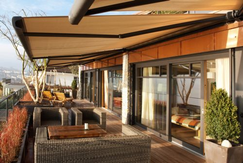 Motorized Retractable Awning Powered by Somfy