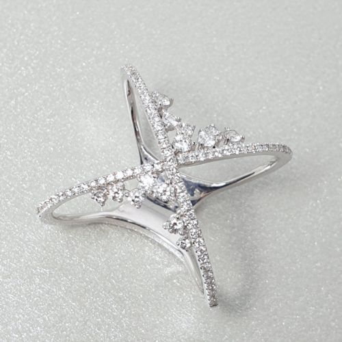 Diamond Criss-Cross Cluster Ring